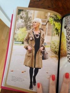 Sur cette photo, Madame de Jerphanion porte une parka H&M qu'elle a customisée!