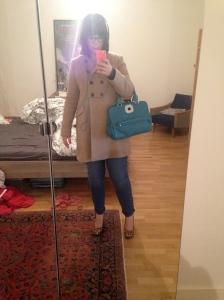 Même tenus, manteau Pablo, sac Gatsby de Longchamp