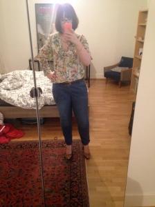 Chemise Zara, pantalon chino Esprit, escarpins Geox