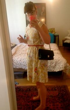 Porté. Robe Viva Frida, ceinture H&M, chaussures bufallo